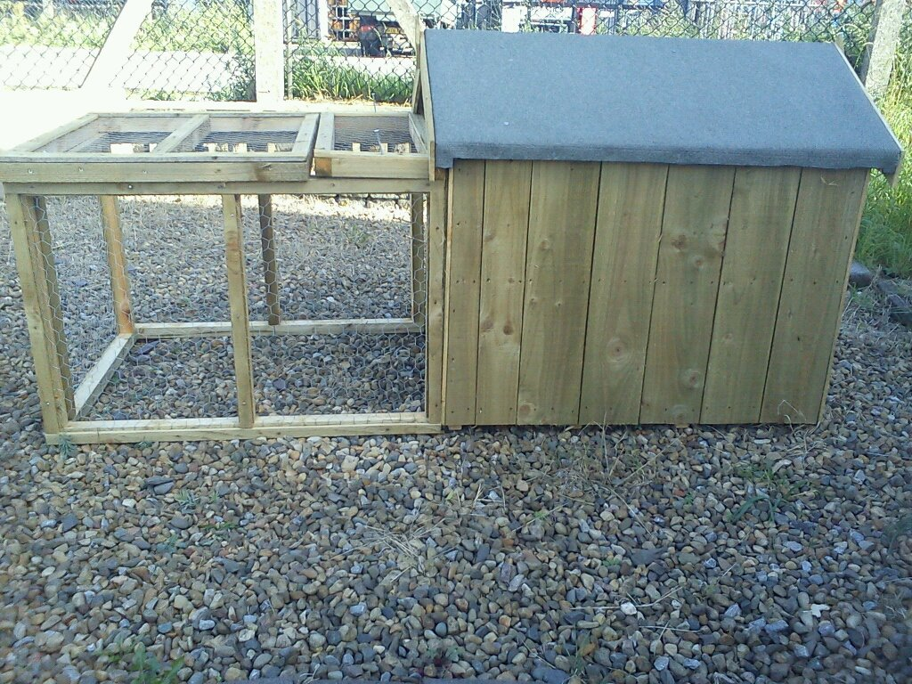 6 x 3 dog kennel with run ajm dream gardens in durham for Dog kennel greenhouse